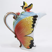 Porzellankanne Schmetterling von Jameson & Tailor