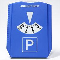 All in one: Parkscheibe und Eiskratzer