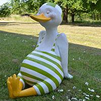 Tolle Tierfigur für Drinnen und Draußen: Emil, der glückliche Erpel