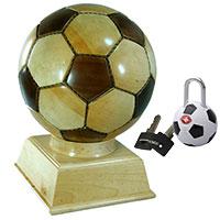 Fußball-Set: Holz-Fußball und Kofferschloss - Fußball -