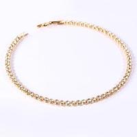 Vergoldetes Collier mit Swarovski-Steinen